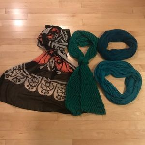 Accessories - Set of FOUR Scarves!